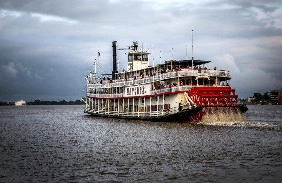 Bateau à roue sur le Mississippi