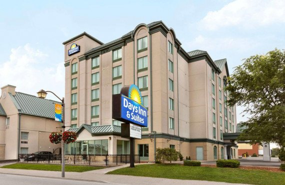 Days Inn by The Falls - Niagara Falls, ON