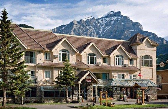 Irwin's Mountain Inn - Banff, AB