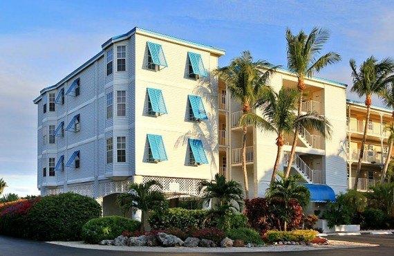 1-ocean-pointe-suites-ext