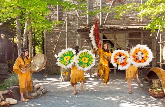 Site Traditionnel Huron - Danse
