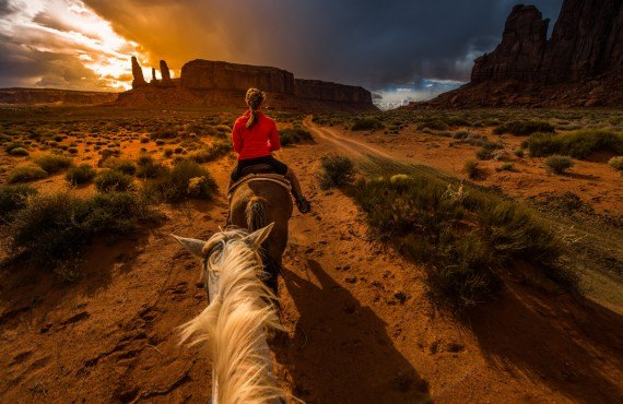 Equitation - Monument Valley