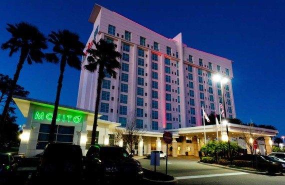 Crowne-Plaza-Westshore-Tampa-Nuit