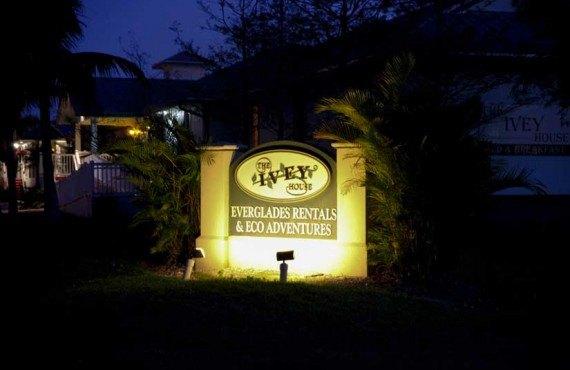 2-Ivey-House-Key-West-Nuit