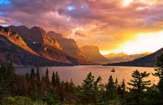 Coucher de soleil sur le Glacier national park