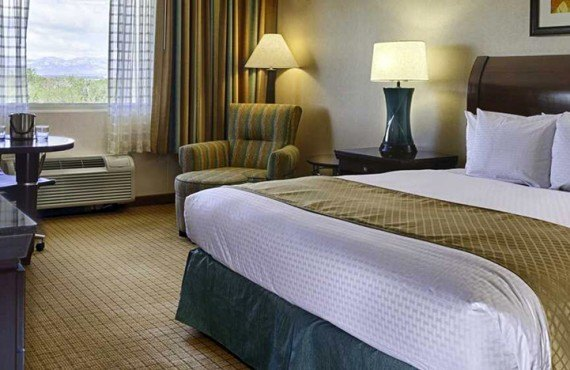 2-doubletree-denver-ch-king