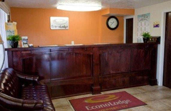 Econo Lodge Vernal - Lobby