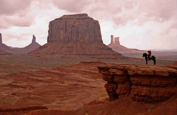 2-equitation-monument-valley.jpg