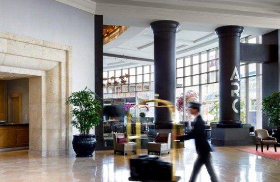 2-fairmont-waterfront-lobby