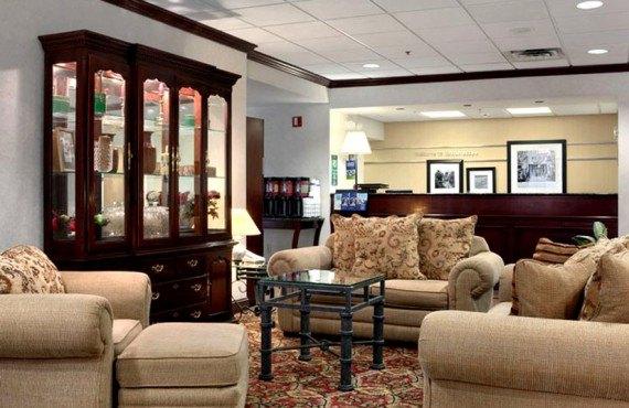 2-Hampton-Inn-Tallahassee-Central-Salon