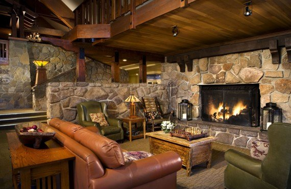 2-mammoth-mountain-inn-lobby