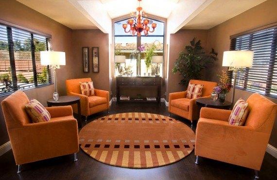 Mariposa Inn & Suites - Lobby