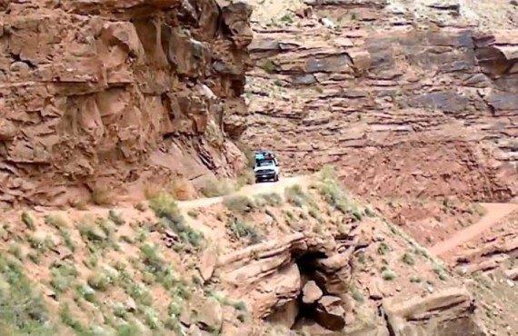 2-tour-4x4-rafting-canyonlands-shafer-trail.jpg
