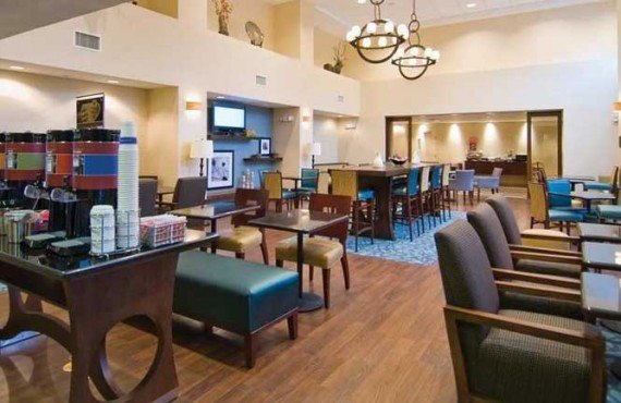 Hampton-Inn-Baton-Rouge-Restaurant
