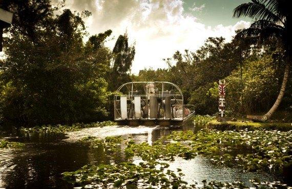 Aéroglisseur typique des Everglades