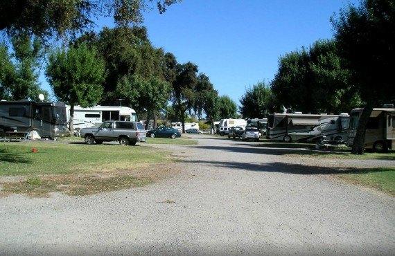 Camping Turtle Beach RV - Manteca, CA