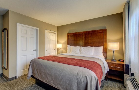 3-comfort-inn-north-conway-executive-king.jpg