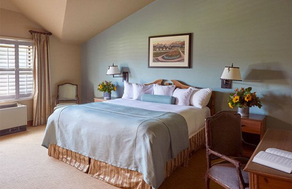 3-grouse-mountain-lodge-chambre-standard.jpg
