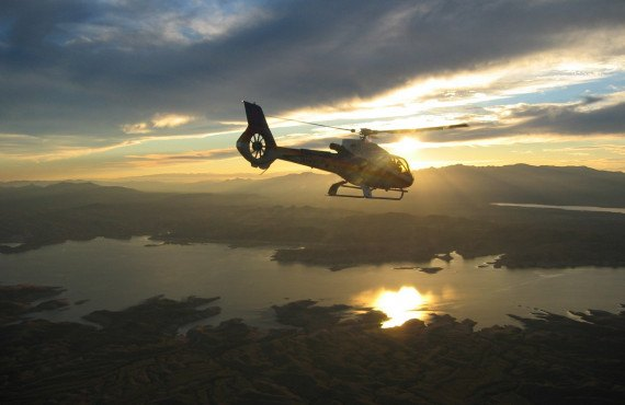 Helicoptere et champagne - lac