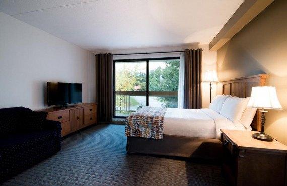 Chambre 1 lit double et 1 divan-lit