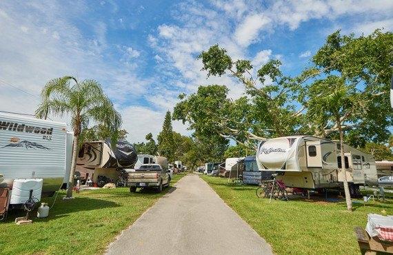 3-miami-everglades-resort.jpg