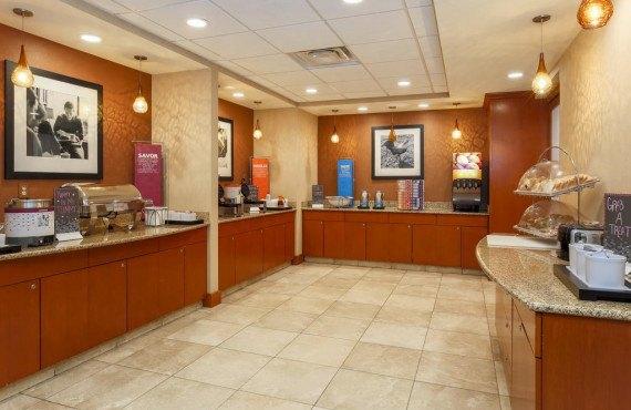 Hampton Inn New Haven - Petit-déjeuner