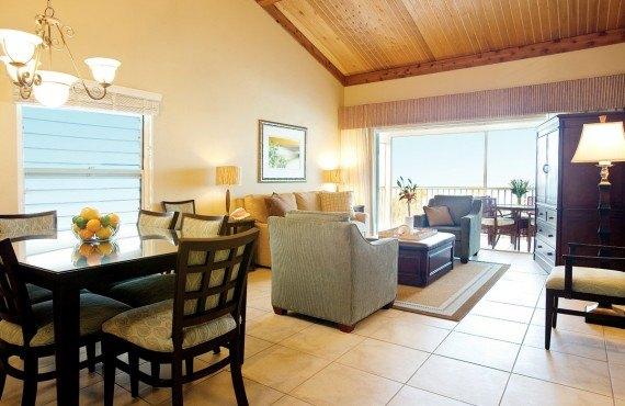 South Seas Island Resort - Salon d'une des chambres