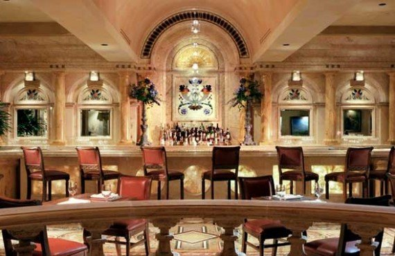 Marco_Beach_Ocean_Resort-Restaurant-Bar