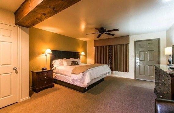 Driftwood Lodge - Chambre King avec patio