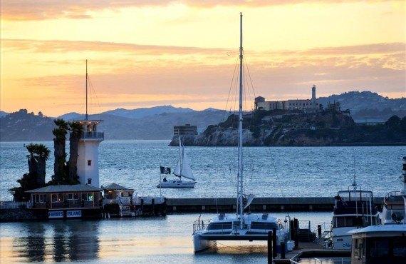 Fisherman's Wharf avec Alcatraz en arrière-plan