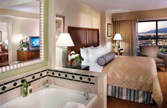 Hilton Grand Vacations Suites - Suite