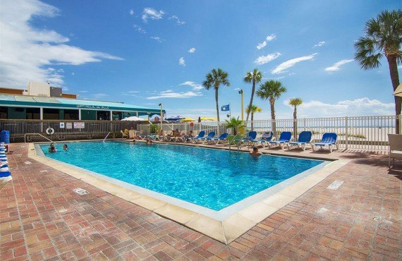 Piscine extérieure de l'hôtel Bilmar Beach Resort