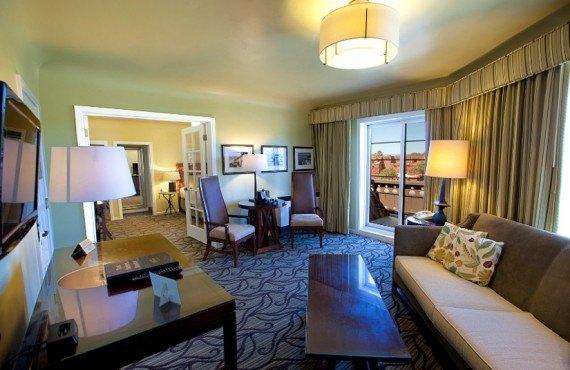 4-hotel-el-tovar-suite