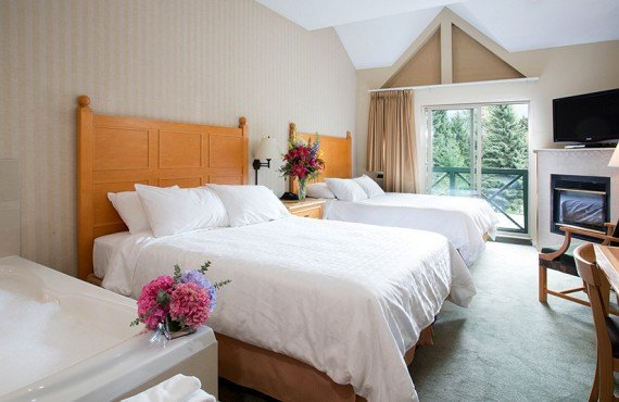 4-hotel-whistler-pinnacle-studio-2lits.jpg