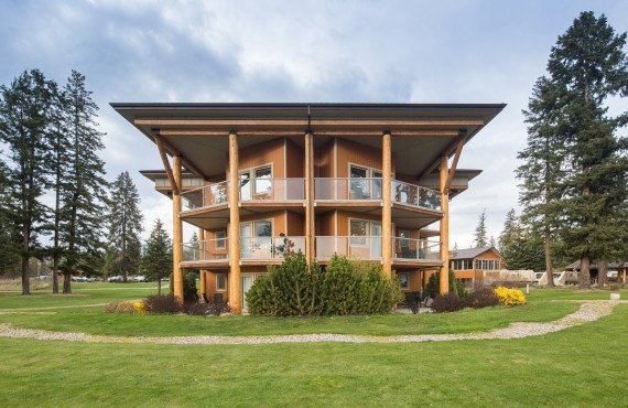 Skwachàys Lodge, BC, Canada