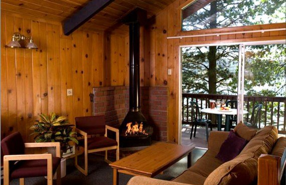 The Pines Resort - Chalet, Salon