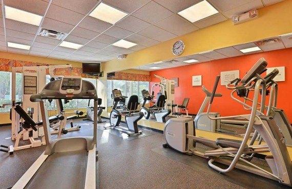 Comfort-Suites-Maingates-East-Miami-Gym