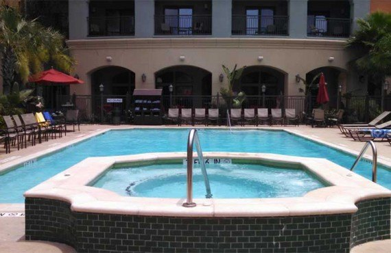 Courtyard-Marriott-Houma-Piscine-Exterieur
