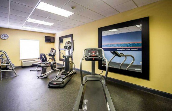 Hampton-Inn-Natchez-Gym