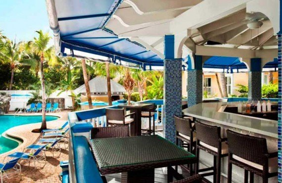 Sheraton-Suites-Key-West-Bar-Exterieur