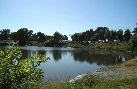 Camping Turtle Beach RV - Manteca, CA