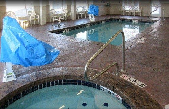 Comfort Inn & Suites Vernal - Piscine et bain à remous