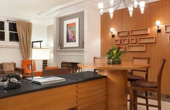 5-executive-hotel-vintage-court.jpg