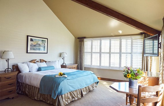 5-grouse-mountain-lodge-corner-suite.jpg