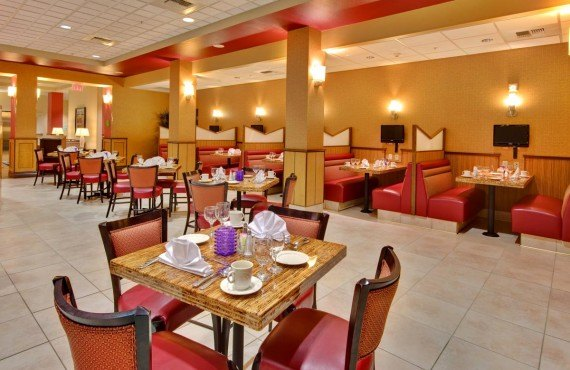 5-holiday-inn-suites-bakersfield-resto