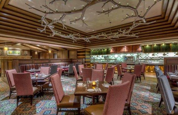 Little America Hotel - Restaurant Lucky H Grille