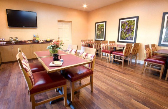 Mariposa Inn & Suites - Salle à manger