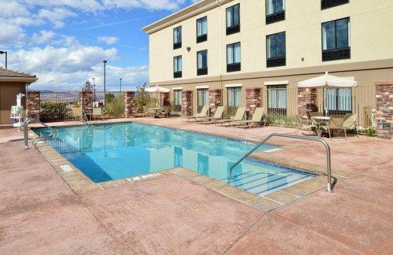 5-piscine-exterieure.jpg