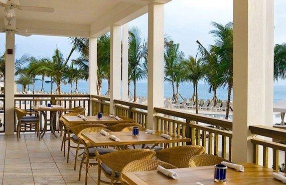 5-south-seas-island-resort-terrasse