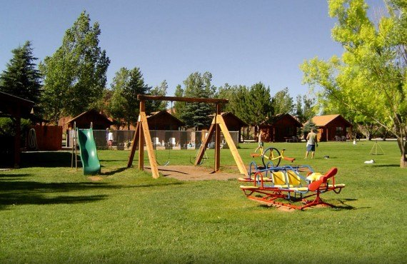 Thousand Lakes RV Park - Aire de jeux